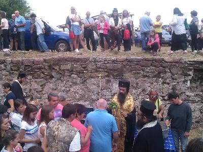 Седем курбана благослови Видинският митрополит Даниил край Чипровци